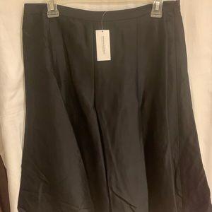 Banana Republic Satin Skirt •size 10 •